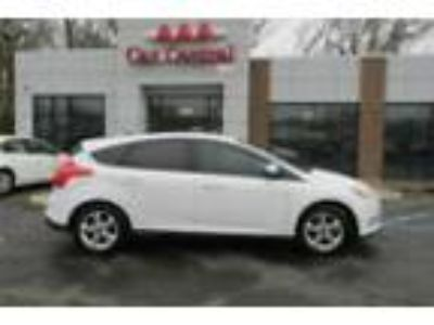 2013 FORD Focus SE 2013 FORD FOCUS SE 114800 Miles WHITE 2.0L Automatic