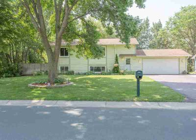 1402 119th Lane NW COON RAPIDS Four BR, Excellent home on
