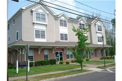 2 Bedroom Townhome FOR RENT - Great Location and B