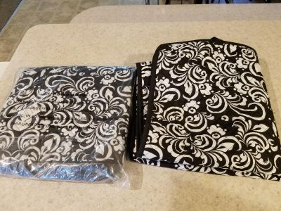 2 Universal Seat Covers