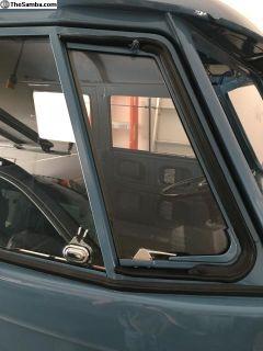 VW Bus 1949-67 Vents Glass Install/ Complete Door