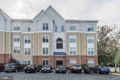 2105 Highcourt Ln #401 Herndon Two BR, Large open floor condo