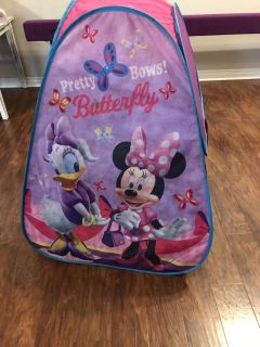 Minnie and Daisy play tent