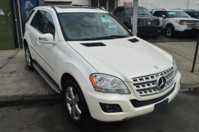 2011 Mercedes-Benz M-Class ML350 4MATIC (Diamond White Metallic)