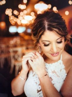 NEED A MAKE-UP ARTIST ? ?   BRIDES ?   SPECIAL EVENTS ?