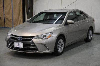 2015 Toyota Camry Hybrid LE (Creme Brulee Mica)