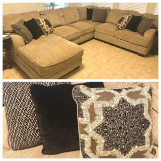 Sectional Couch (4 piece couch & 8 pillows)