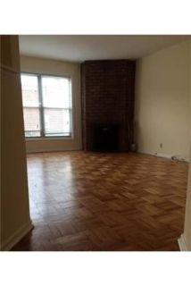 1 bedroom Apartment - Large & Bright. Single Car Garage!