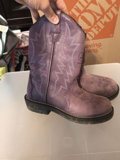 Boots size 5 1/2
