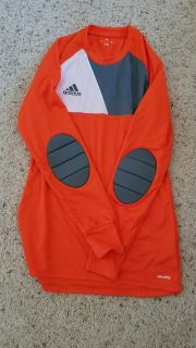 Soccer keeper jerseys with padded elbows