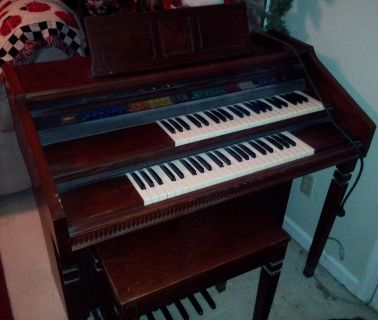 Lowery Electric Organ