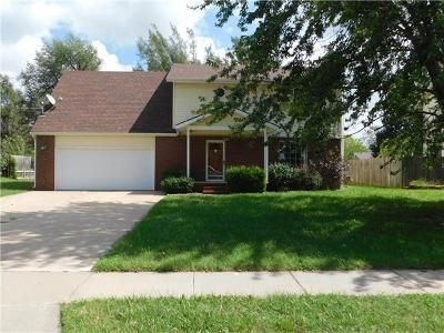 4 Bed 2.1 Bath Foreclosure Property in Hutchinson, KS 67502 - Malloy St