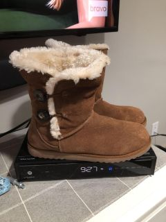 Like new suede boots size 10 $15 worn maybe twice