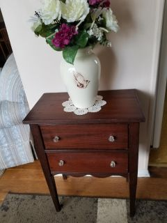 VINTAGE WOOD STAND WITH 2 DRAWERS
