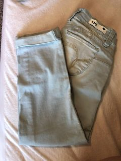 Cropped jeans. Size 3