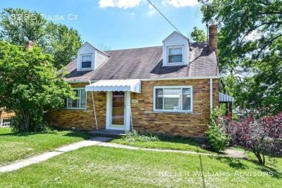 Adorable home in Westwood!