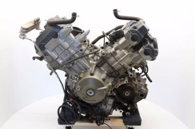 Sell HONDA SUPERHAWK VTR 1000 VTR1000 ENGINE MOTOR TRANNY CASES 2004 04 H27 motorcycle in Vancouver, Washington, United States, for US $550.27
