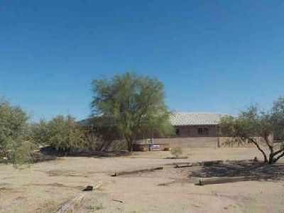 886 W 40th Street Safford Three BR, Move in Ready Country Home.
