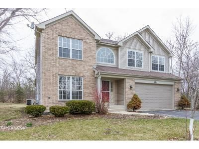 4 Bed 3 Bath Foreclosure Property in Libertyville, IL 60048 - S Cardinal Ct