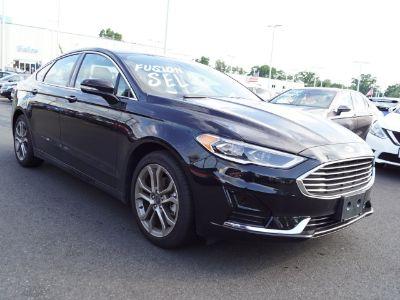2019 Ford Fusion (Black)