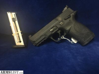 "For Sale: Smith & Wesson M&P 22 .22 CAL 4.5"" Compact 10+1 Round Double Stack With Spare Mag Semi-Auto Pistol"