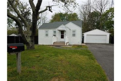 House for rent in Mastic Beach.