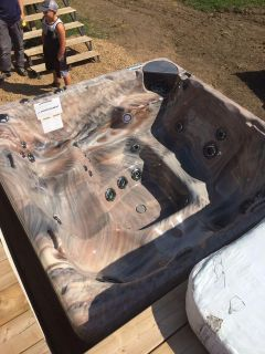 Hot tub for sale