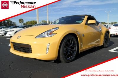 2017 Nissan 370Z Roadster (Chicane Yellow)