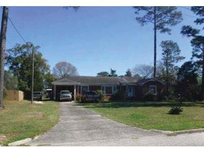 3 Bed 2 Bath Foreclosure Property in Atmore, AL 36502 - 1st Ave