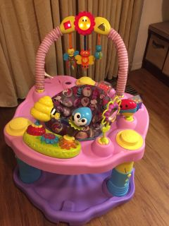 Little girl three level saucer in awesome condition smoke pet free home pick up in angleton