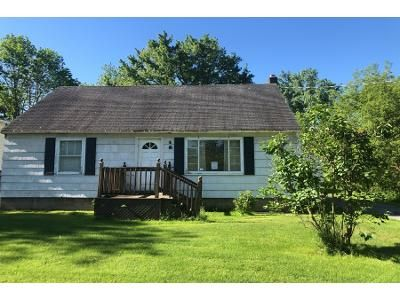 3 Bed 1 Bath Foreclosure Property in Newark, NY 14513 - Blue Cut Rd