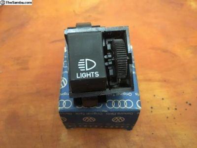 NOS Headlight Switch Genuine VW (133 941 531 B)