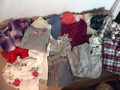 Mixed Lot of 31 items, Women s Size S