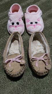 Girls slippers(size 5/6)