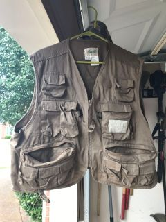 XL fishing vest and camp hat