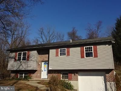 3 Bed 1 Bath Foreclosure Property in Shoemakersville, PA 19555 - Troxel Rd