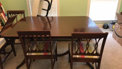 Duncan Phyfe Dining Table and chairs
