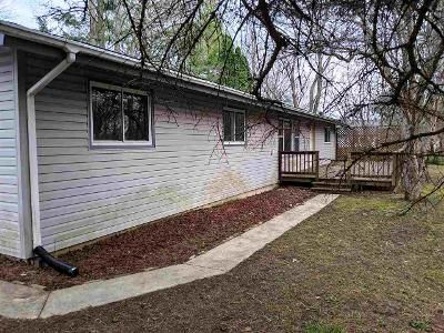 2 Bed 1 Bath Foreclosure Property in Poplar Grove, IL 61065 - Bounty Dr NE