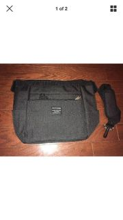 Insulated lunch bag with shoulder strap reusable cool bag- brand new
