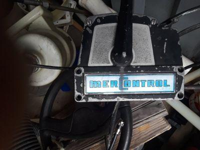 Mercury outboard motor controls