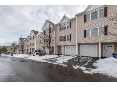 2 Bed 2 Bath Foreclosure Property in Hamden, CT 06517 - State St Apt 25