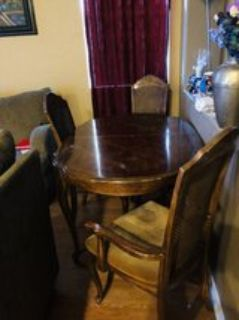 Kitchen Table and 5 chairs 6th needs repair
