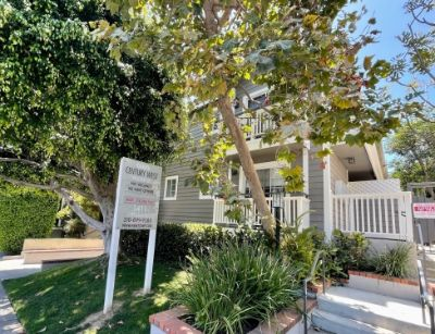 $3295 2 apartment in West Los Angeles