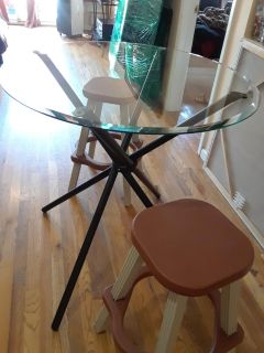 Glass dining table plus 2 stools
