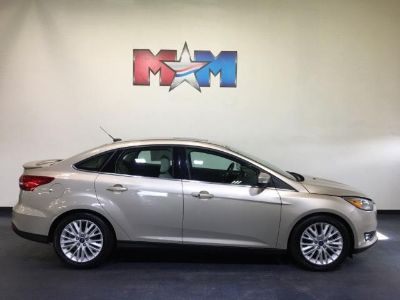 2018 Ford Focus Titanium (White Gold Metallic)