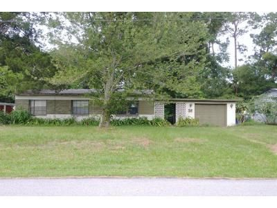 3 Bed 1.0 Bath Preforeclosure Property in Jacksonville, FL 32207 - Copper Cir E