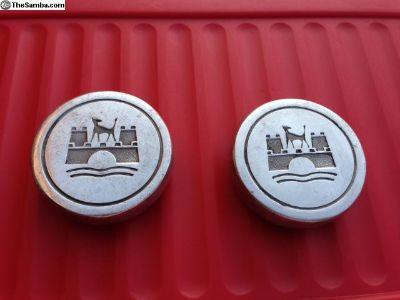 2 Porsche center caps