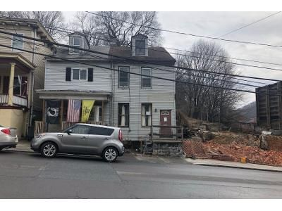 3 Bed 1 Bath Preforeclosure Property in Pottsville, PA 17901 - E Norwegian St