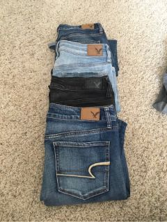 American Eagle 4 Pairs Of Women s Denim Jeans SIZE 8 Regular