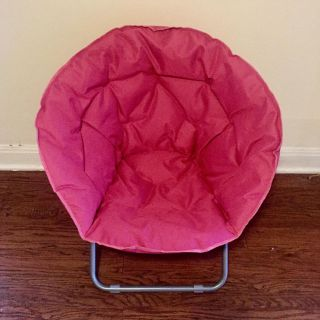 BRAND NEW! Comfy, Collapsable Pink Chair